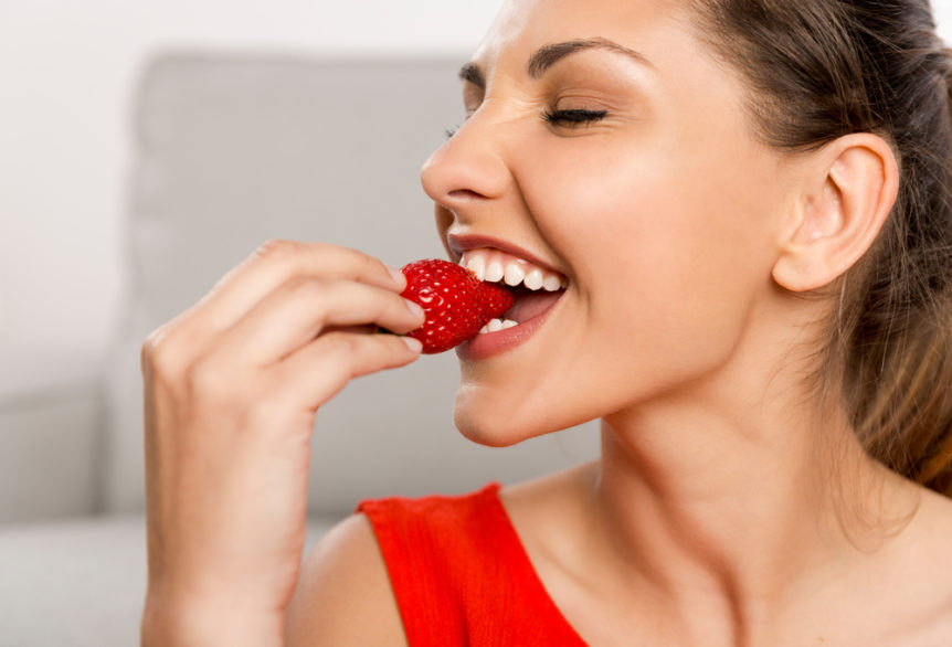 5-foods-that-can-help-whiten-your-teeth-cosmetic-and-family-dentistry-of-las-colinas